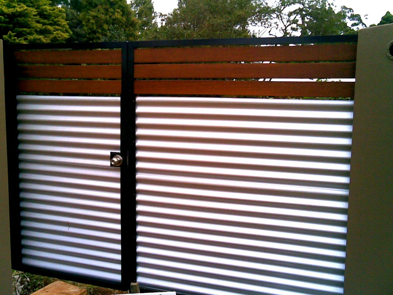 cheap corrugated metal fence price