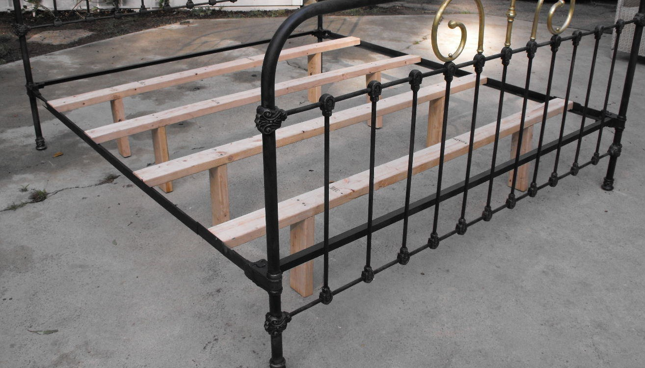 cheap metal bed frame and box spring