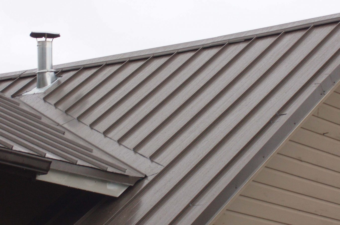 cheap benefits of a metal roof vs shingles