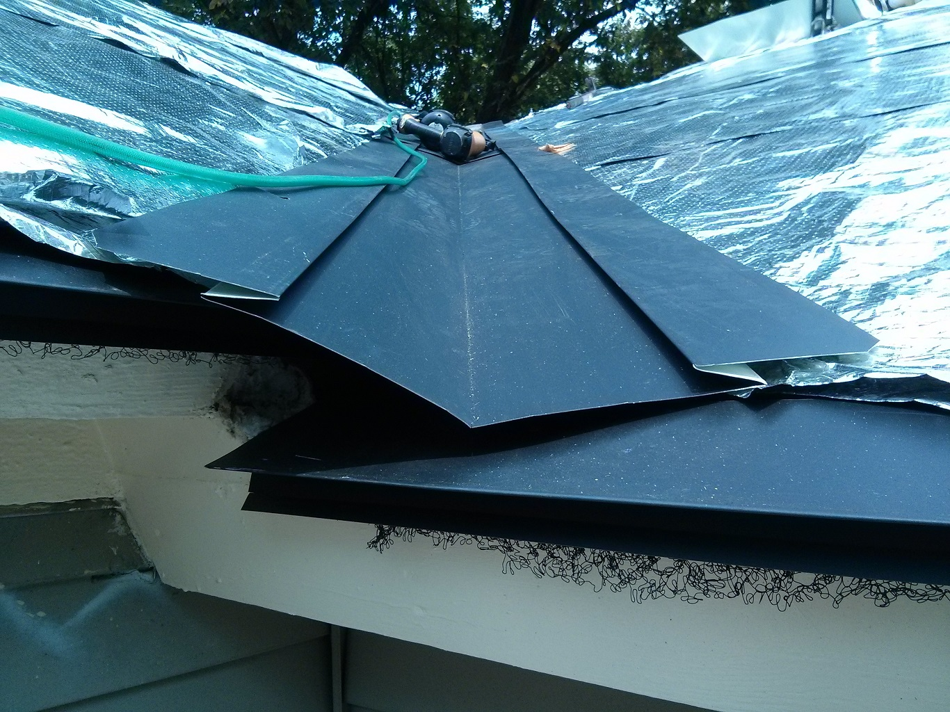 How Long Does a Metal Roof Paint Last