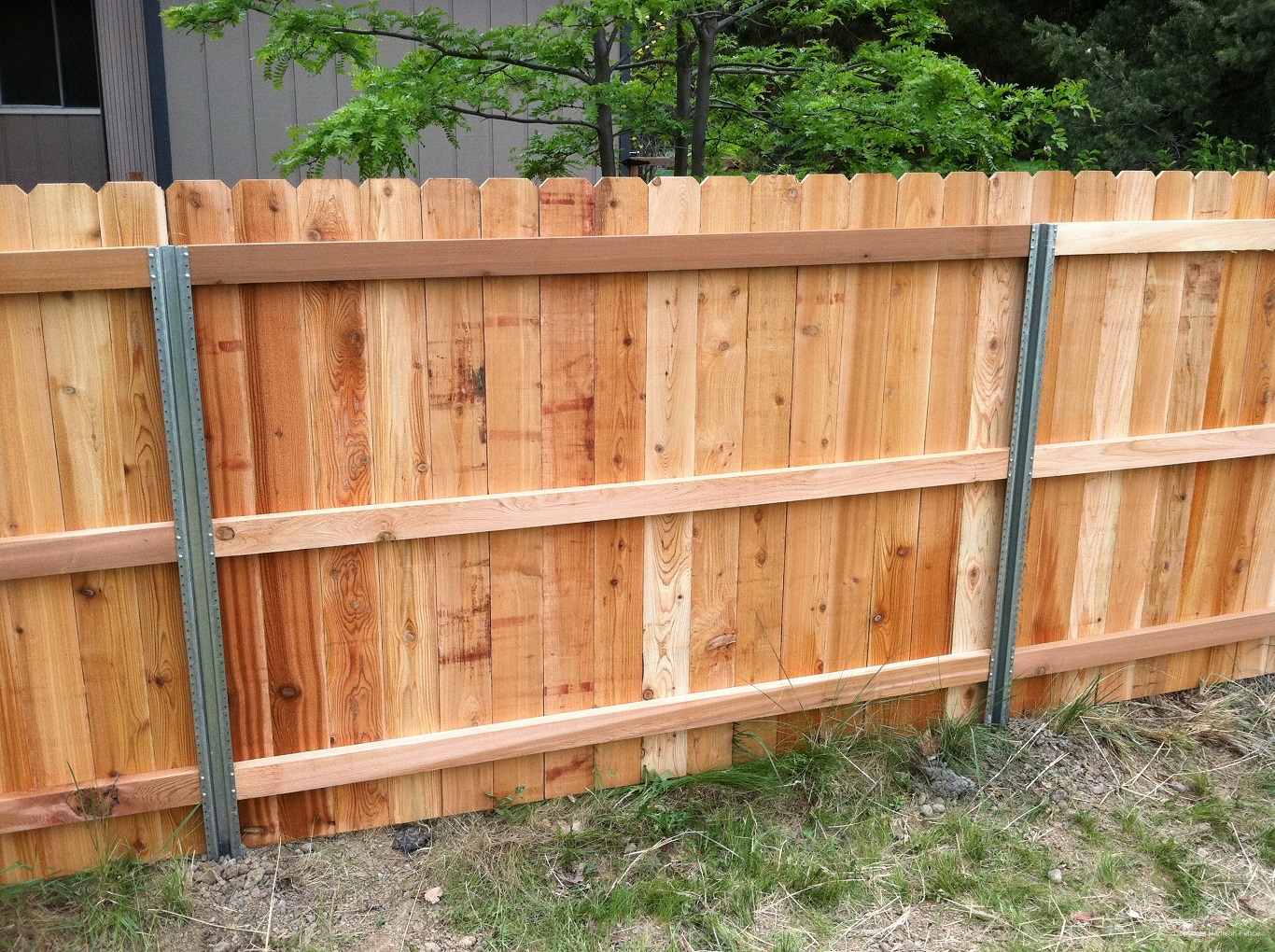 how to put in steel fence posts