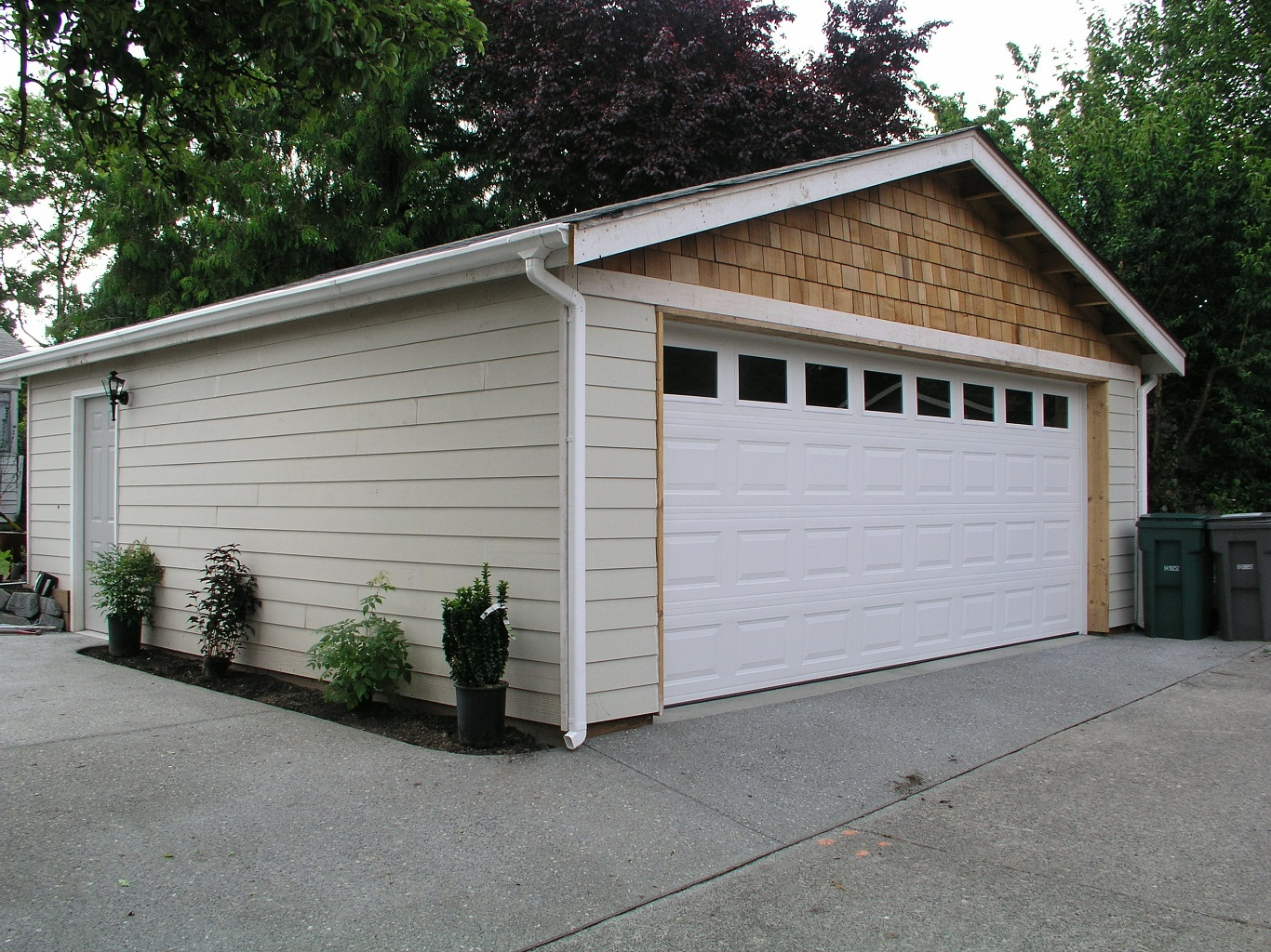 cheap vinyl siding and metal roof color combinations